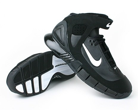Kobe Bryant Shoes Picture: Nike Air